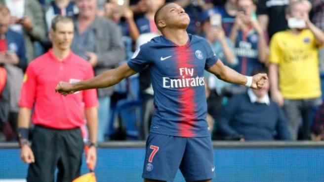 Kylian Mbappé celebra un gol con el PSG.