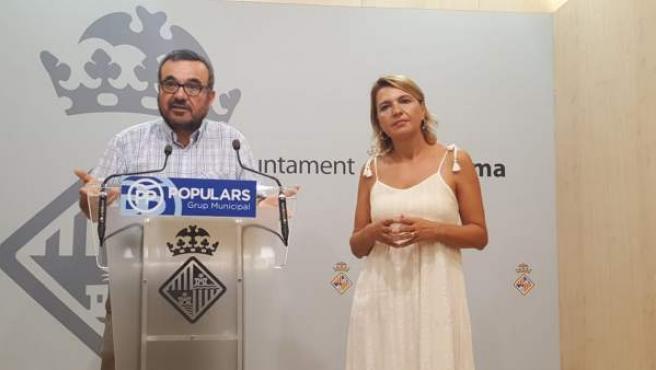 José Ignacio Aguiló y la portavoz del grupo municipal del PP, Marga Durán