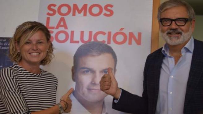 Montse Mínguez y Félix Larrosa, en la sede del PSC de Lleida
