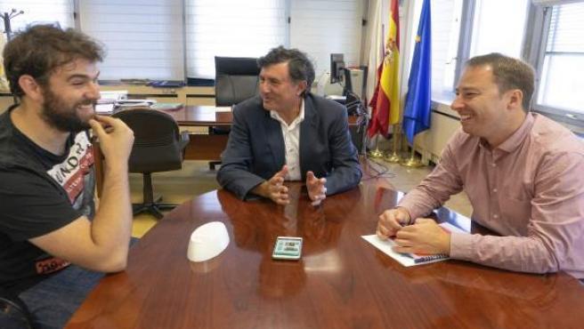 Mañanes recibe al ganador del Explorer Space Cantabria