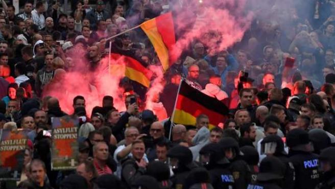 La 'caza neonazi al extranjero' que se ha dado en Chemnitz (Alemania) ha derivado en una manifestación xenófoba y ultraderechista.