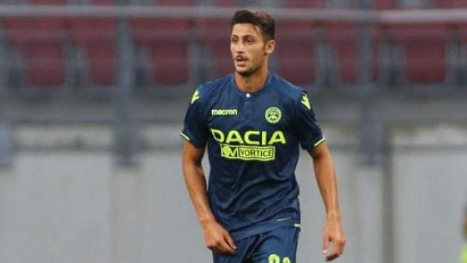 Rolando Mandragora durante un encuentro de pretemporada con el Udinese.