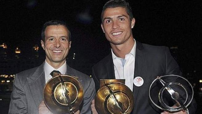 Jorge Mendes junto a Cristiano, uno de sus clientes.