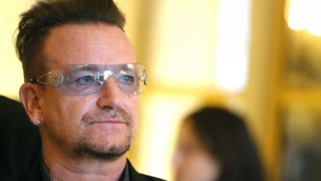 Bono, cantante del grupo irlandés U2.