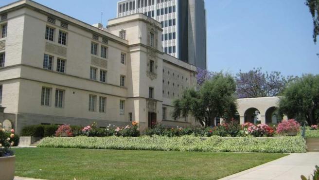 Se ubica en Pasadena y es una de las principales instituciones mundiales dedicada a la ciencia, a la ingeniería y a la investigación. Fue fundada en 1891 y su lema es 'la verdad os hará libres'. Su puntuación es de 97,2.