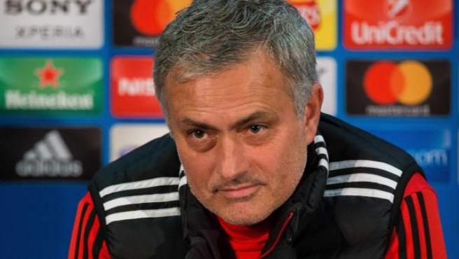 José Mourinho, entrenador del Manchester United, en rueda de prensa.