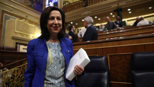 La ministra de Defensa, Margarita Robles, en el hemiciclo.