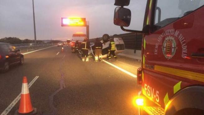 Imagen del accidente en la A-601 en Aldeamayor (Valladolid)