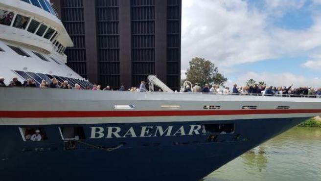 El crucero Braemar recala en Sevilla