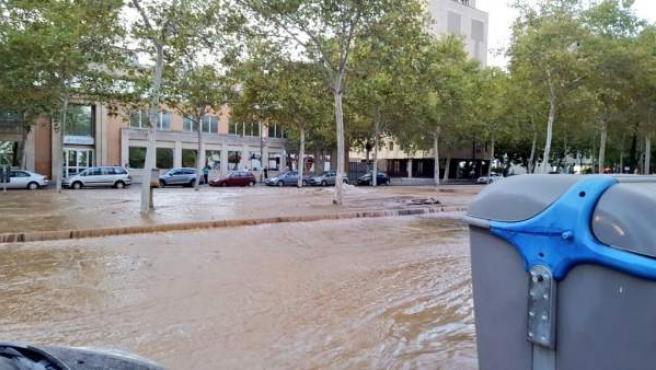 Inundación provocada por la rotura de una tubería en Sevilla