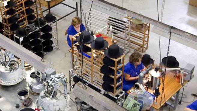 Trabajadoras en una pyme.