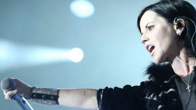La cantante Dolores O'Riordan, del grupo The Cranberries, en una imagen en directo.