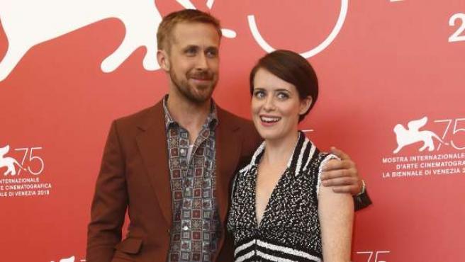 Ryan Gosling y Claire Foy, en la Mostra de Venecia, presentando 'First Man (El primer hombre)'.