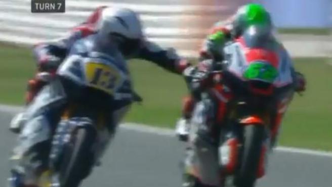 Romano Fenati apretó el freno de un rival durante la carrera del GP de San Marino.