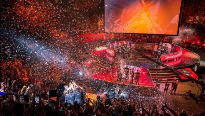 Fnatic se proclama campeón de Europa de 'League of Legends' en el Palacio de Vistalegre de Madrid.