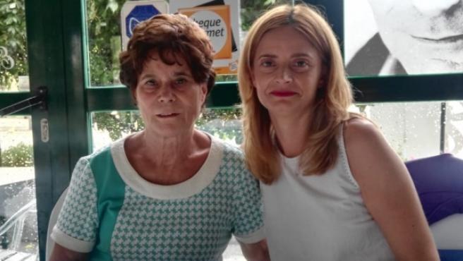 Ana Belén Pintado con su madre, que ahora tiene 69 años.