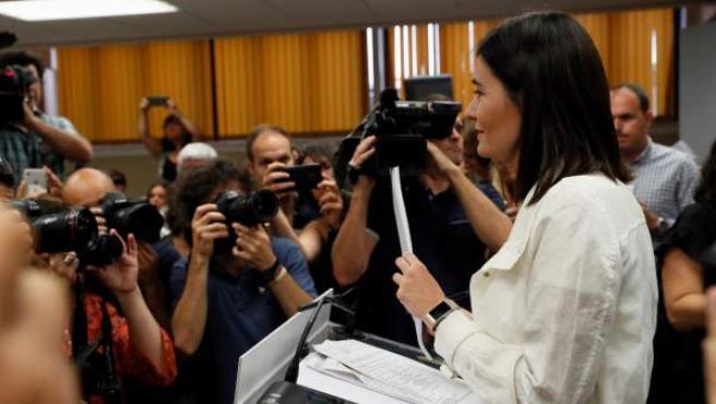 Carmen Montón, en una rueda de prensa.