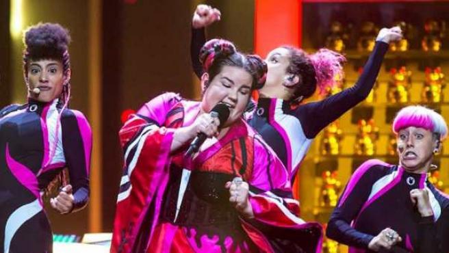 La representante de Israel en Eurovisión 2018, Netta, interpretando su tema 'Toy'.