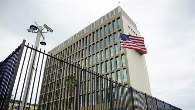 La Embajada de EEUU en La Habana seguirá abierta pero con el personal mínimo por los ataques sonoros.