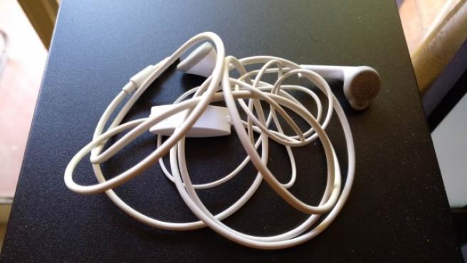La longitud del cable y la forma en Y favorecen que anuden rápidamente.