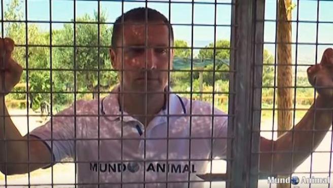 Alfredo Díaz, el activista que se ha encerrado para protestar por el maltrato animal.