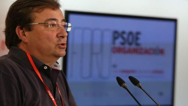 Fernández Vara en el foro del PSOE en Mérida