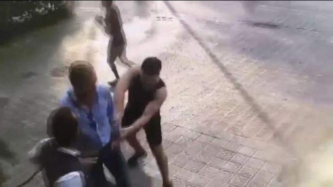Imagen de un robo en Barcelona.