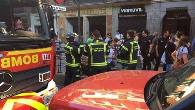 La explosión de un dispositivo electrónico de una pasajera del metro en Príncipe de Vergara ha causado seis heridos.