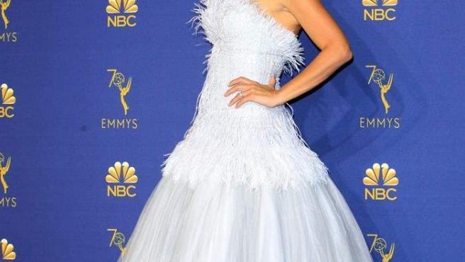 La actriz española Penélope Cruz posa durante la gala de los Premios Emmy 2018, en el Microsoft Theater de Los Ángeles (EE UU).