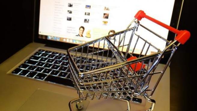 Cada vez más españoles hacen la compra por Internet.