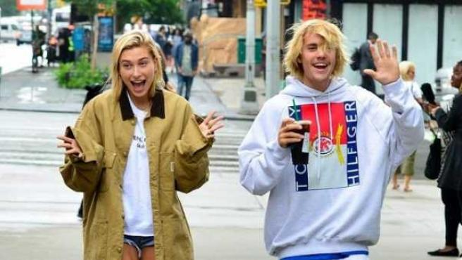 El cantante Justin Bieber y Hailey Baldwin, por las calles de Nueva York.