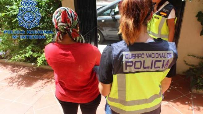 Detención Mujer Red Criminal Prostitución De Mujeres Y Trata De Seres Humanos