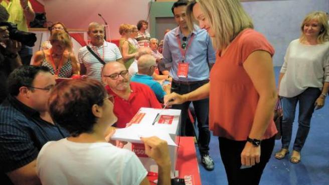 Pilar Alegría vota en las primarias del PSOE a la Alcaldía de Zaragoza.