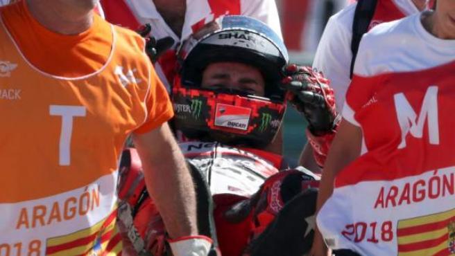 Jorge Lorenzo, tras su caída en el Gran Premio de Aragón de MotoGP disputado en el circuito Motorland de Alcañiz (Teruel).