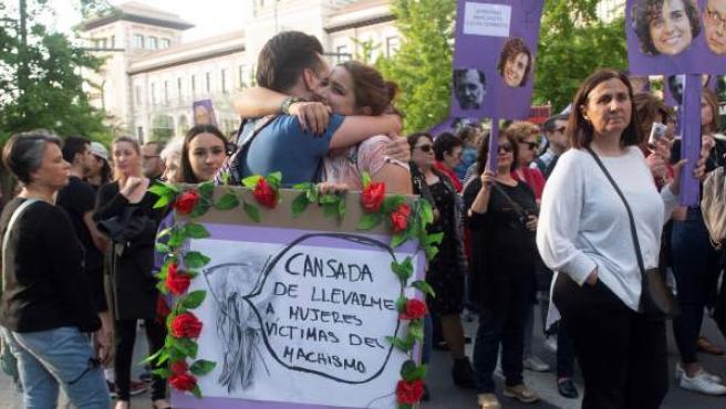 Vista de la manifestación convocada en Granada por el incumplimiento del Pacto de Estado contra la Violencia de Género.