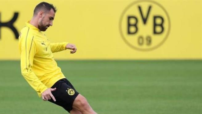 Paco Alcácer, en un entrenamiento con el Borussia Dortmund.
