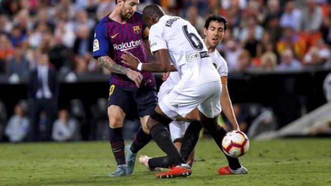 Leo Messi, en acción ante el Valencia.
