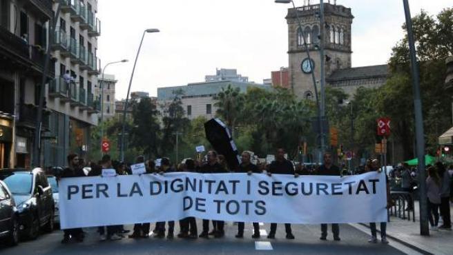 Manifestación de Mossos d'Esquadra por el dispositivo del primer aniversario del 1-O.