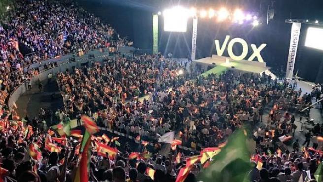 Plano general del acto celebrado por Vox en Vistalegre.