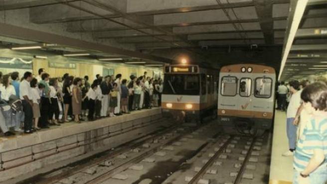 El primer tramo subterráneo, en la línea 1, se puso en servicio en 1988.