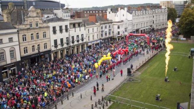 Salida de la media maratón de Cardiff 2018.