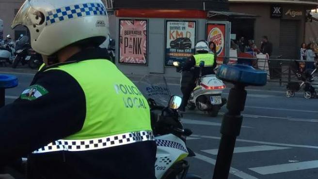 Policía Local de Málaga motocicleta seguridad agente barrio