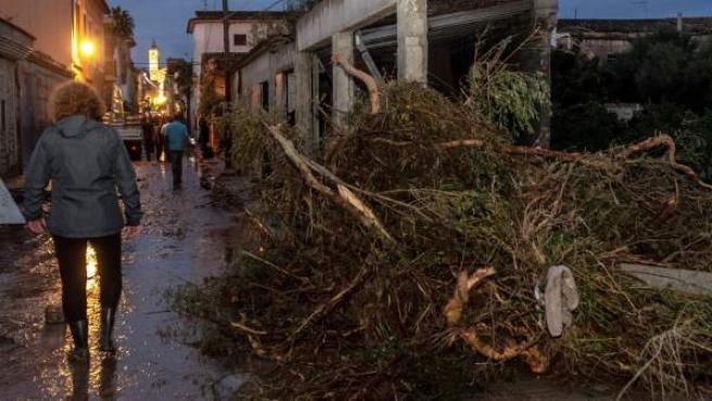 Vista de una de las calles de la localidad mallorquina de Sant Llorenç, la zona más perjudicada debido a los desbordamientos y riadas.