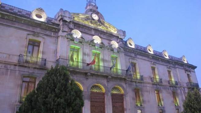 Iluminación en la Diputación con motivo del Día Mundial de la Salud Mental.