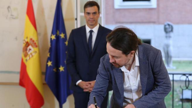 Sánchez e Iglesias sellan su acuerdo sobre los Presupuestos de 2019.