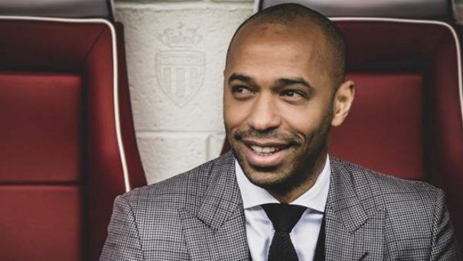Thierry Henry, en el banquillo del Mónaco.