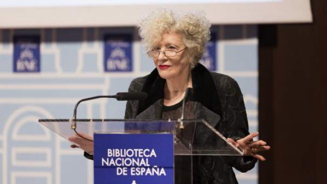 La actriz y directora teatral Magüi Mira, en la Biblioteca Nacional.