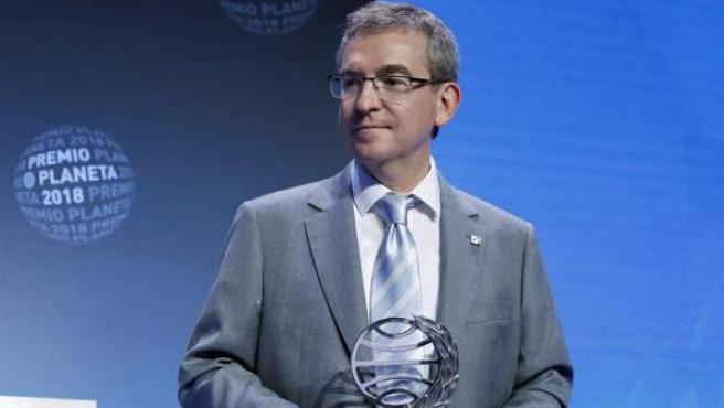 El escritor valenciano Santiago Posteguillo, ganador del 67 Premio Planeta, en la gala celebrada en el Palau de Congresos de Barcelona.