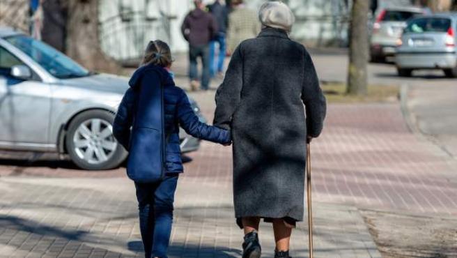Los ciudadanos españoles viven actualmente 82,9 años de media.