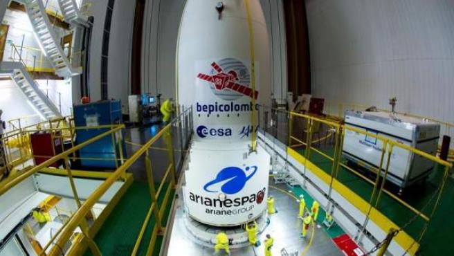 Preparativos para el lanzamiento de BepiColombo, la primera misión de la Agencia Espacial Europea y la japonesa, JAXA, a Mercurio.
